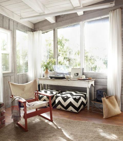 Rustic Sunroom: Small Cabin Decorating Ideas