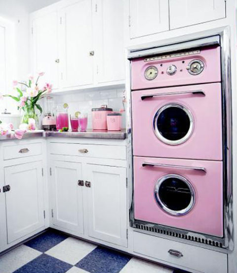 Pink retro kitchen decorating ideas vintage kitchen decor for Kitchen decoration pink