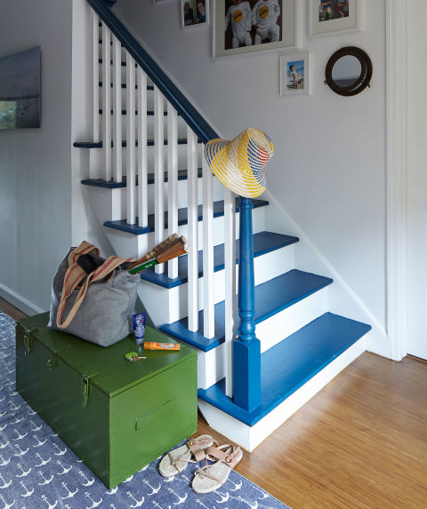 21 Attractive Painted Stairs Ideas Pictures: Decorating Beautiful Staircases