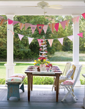 Summer table settings party centerpieces for tables - Decoracion fiesta jardin ...