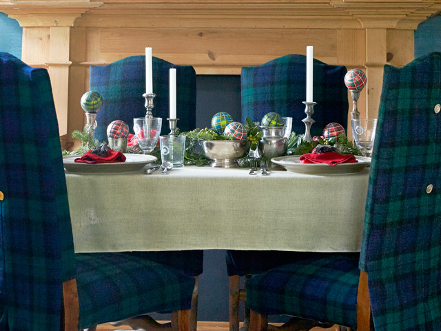 Best Christmas Table Settings Decorations And Centerpiece - Christmas tartan table decoration