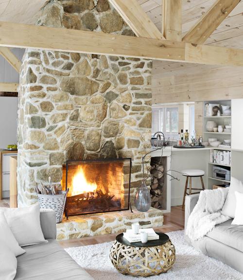 Bobby houston 39 s cabin decor modern cabin decorating ideas for Chimeneas tradicionales