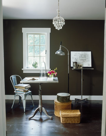 How to decorate with dark paint dark wall paint colors Chocolate colour wall paint