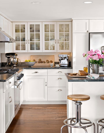 Small white cottage kitchens images for Small white country kitchen