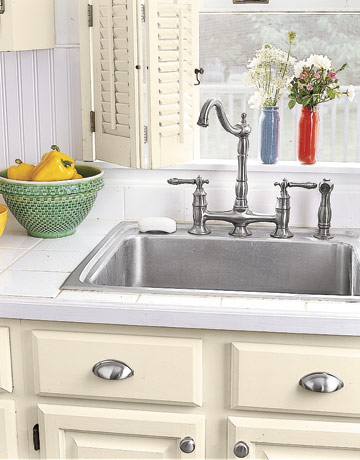 An Updated Kitchen Sink Faucet