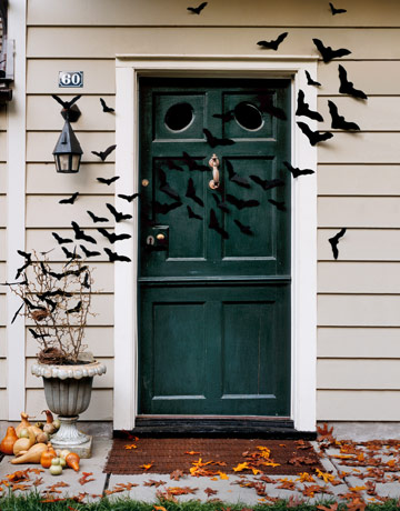 Haunted house decorations halloween decoration ideas for Home halloween decorations