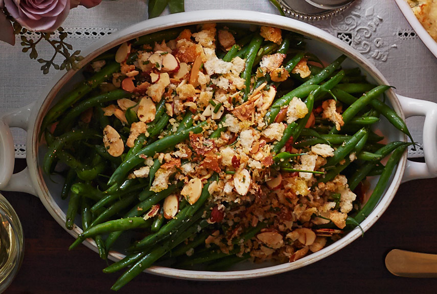 25 easy green bean recipes for thanksgiving how to cook for Easy thanksgiving green bean recipes