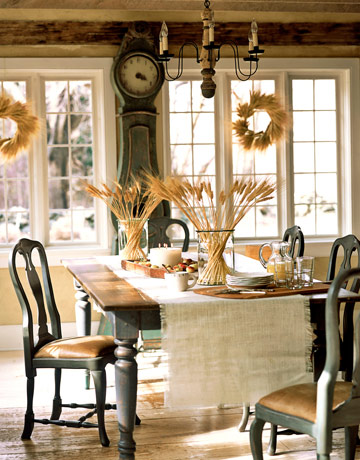 Swedish christmas scandinavian holiday decorating for Country living dining room ideas