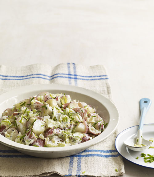 potato salad with chives and olive oil