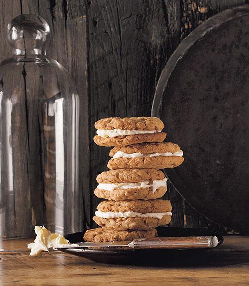 Oatmeal Ginger-Cream Pies Recipe