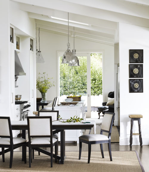 Open floor plan decorating modern ranch house for Black and white dining room decor
