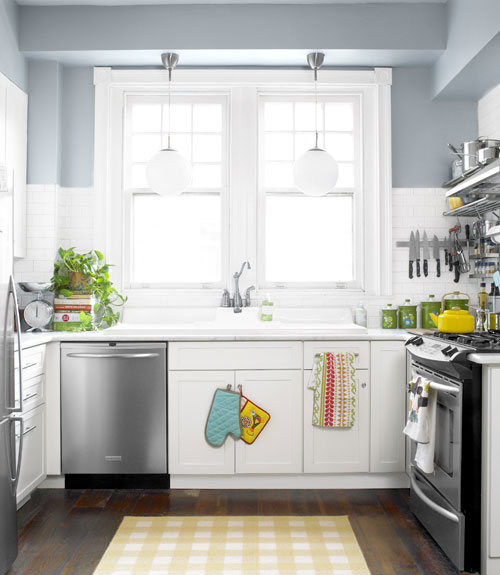 Simple Kitchen Cabinets: Ideas For Updating Your Kitchen