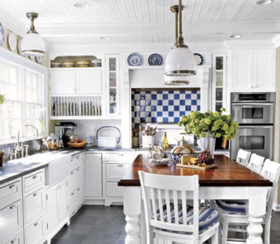 Art Small Interior : White Country Kitchen
