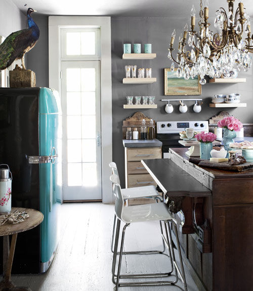 How To Decorate With Dark Paint
