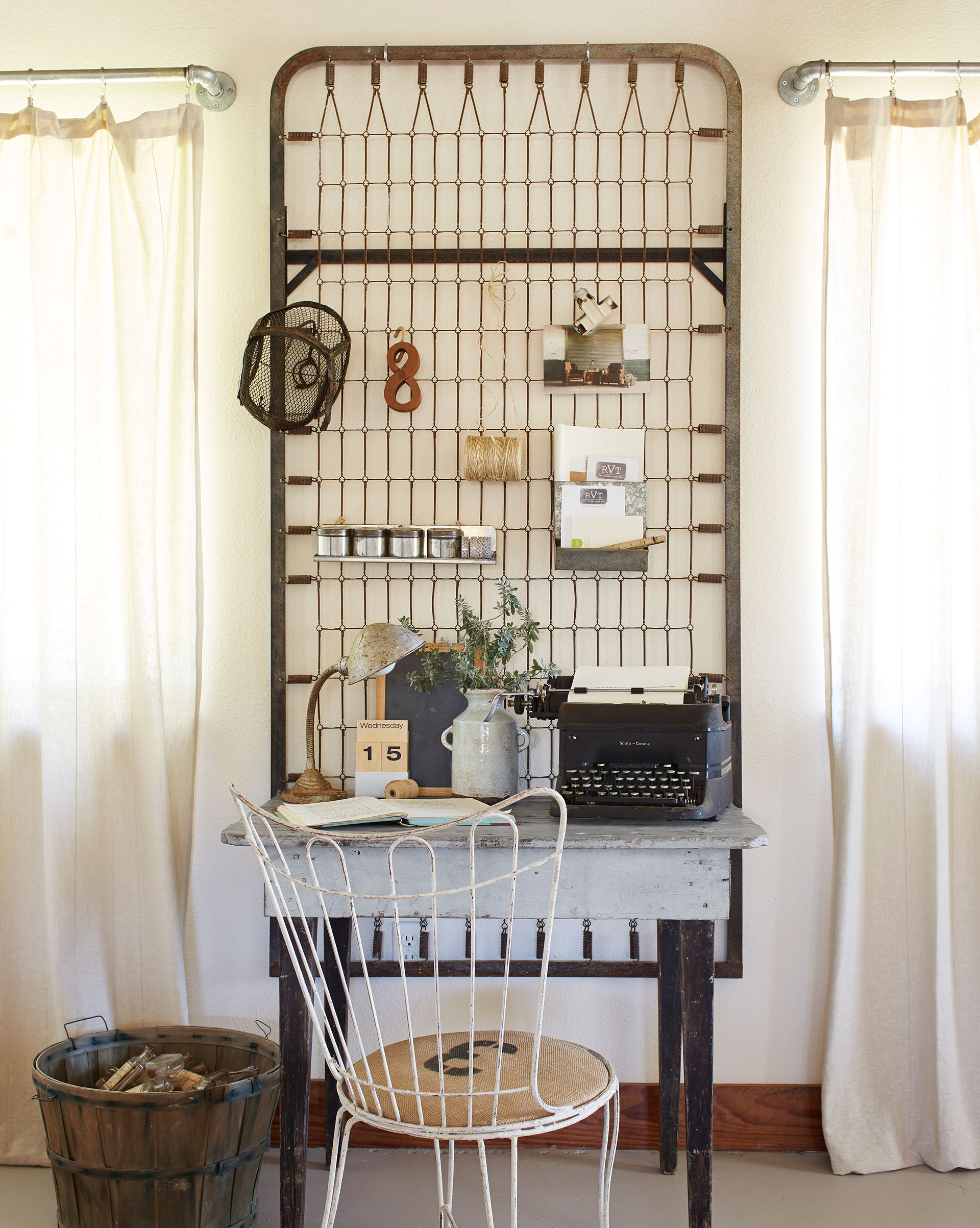 Swell Home Office Ideas How To Decorate A Home Office Largest Home Design Picture Inspirations Pitcheantrous