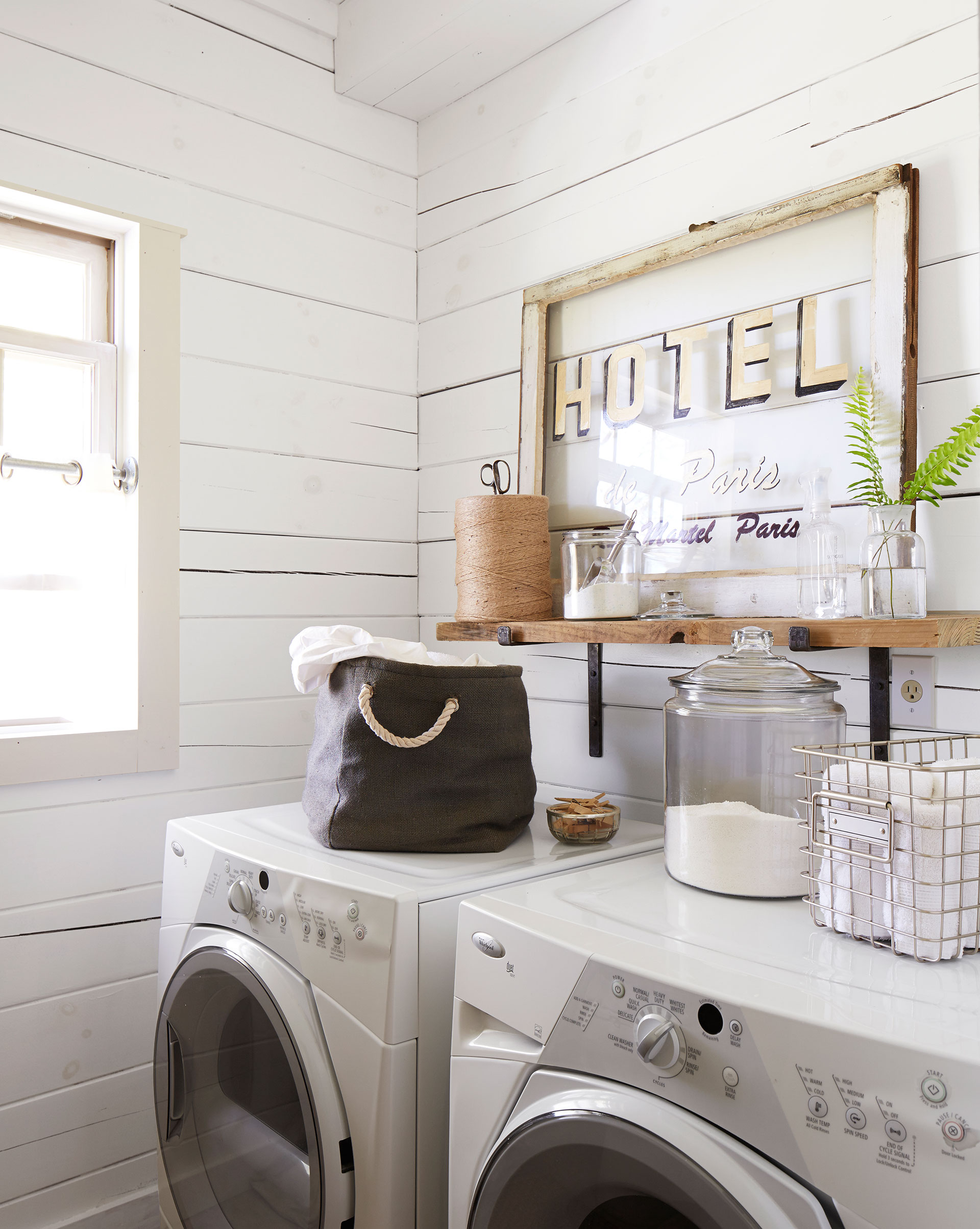 Mud Room Ideas - Decorating a Mud or Laundry Room