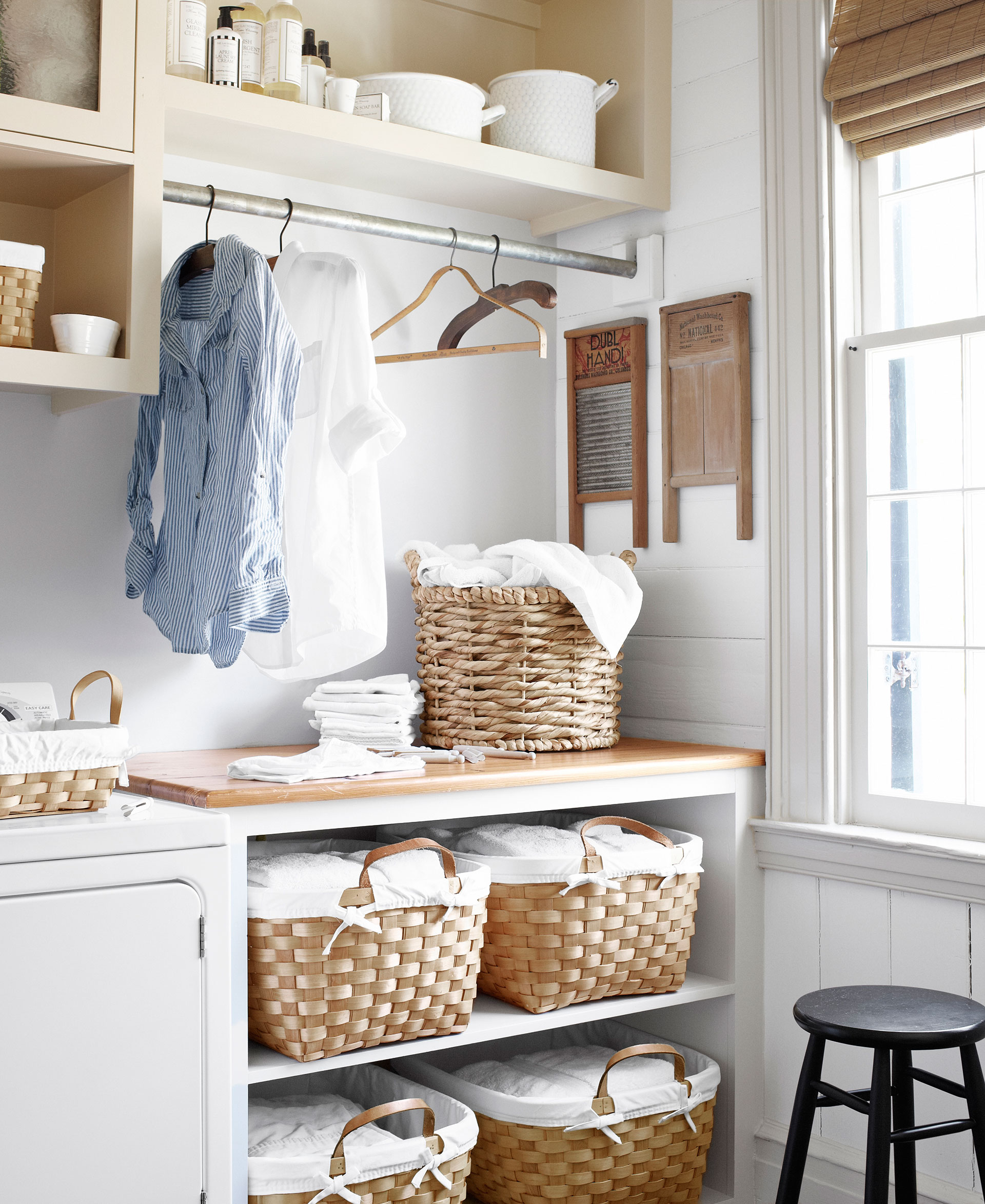 Mud room ideas decorating a mud or laundry room amipublicfo Gallery