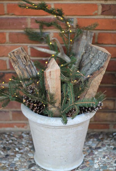 30 outdoor christmas decorations ideas for outside christmas porch decor - Outdoor Christmas Decor