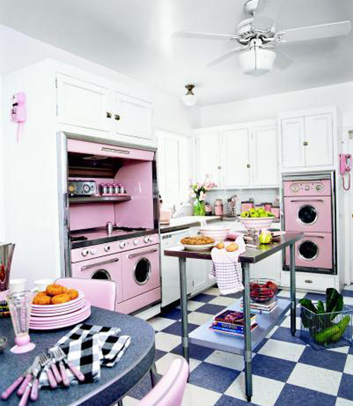 pink retro kitchen decorating ideas vintage kitchen decor. Black Bedroom Furniture Sets. Home Design Ideas