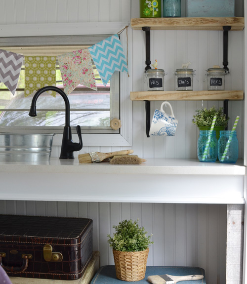 14 Camper Decorating Ideas - Rv Decor Pictures