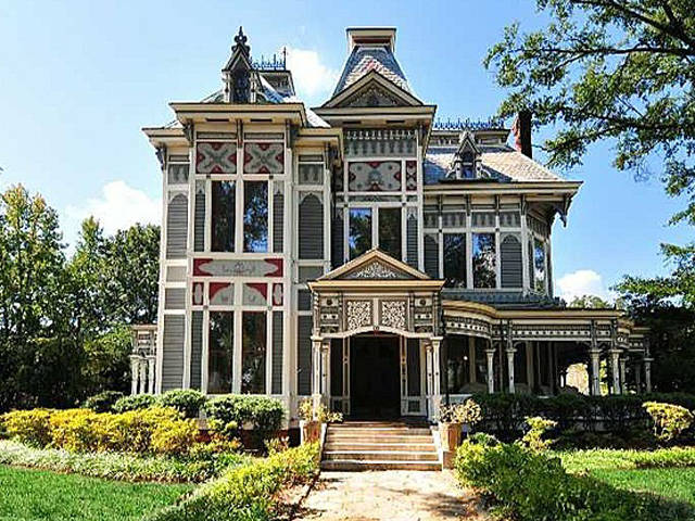 Old Hollywood Mansions best old houses in movies - famous movie homes