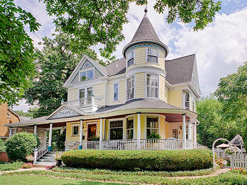 Queen anne style homes for sale for Queen anne victorian house