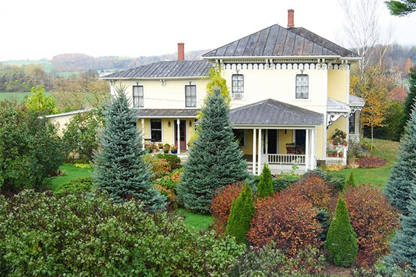 Homes for sale victorian cottage real estate listings for Home builders in vermont
