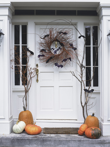 Decorating Ideas > Tips For Hanging Halloween Decorations ~ 160801_Halloween Door Tricks