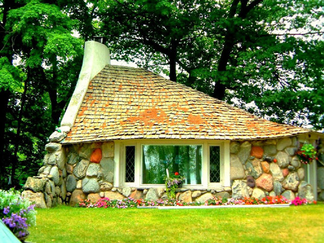 Images Of Hobbit Houses Enchanting Hobbit Houses  Homeaway Hobbit Houses Decorating Inspiration