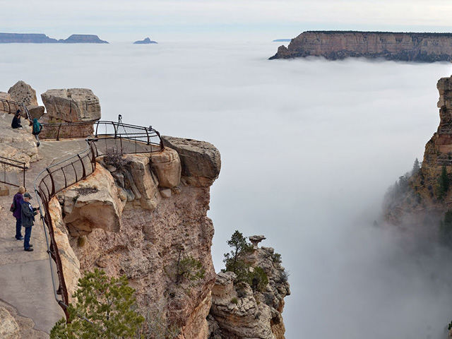 This Rare Weather Phenomenon Turned The Grand Canyon Into A - Rare weather event fills grand canyon with fog and gives us this breathtaking sight