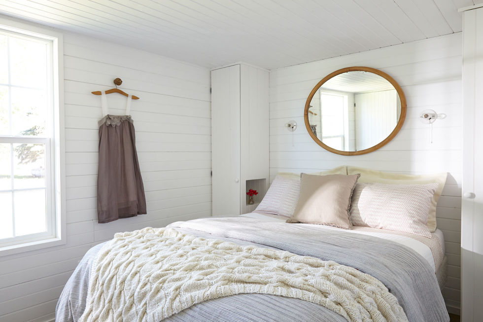 Wyoming Cabin Bedroom. Small Rooms  Big Ideas
