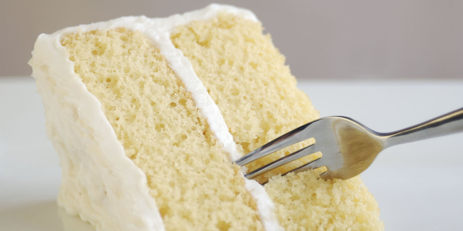 Best vanilla cake recipe how to make easy vanilla cake for Easy basic cake recipes from scratch