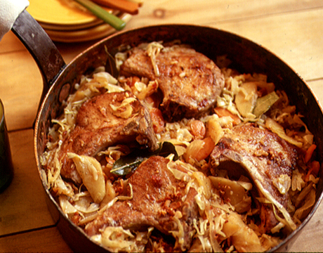 A crisp, sweet apple like Gala, Criterion or Mutsu complements the smoky bacon and autumn vegetables. Recipe: Smoky Pork Chops with Cabbage and Apple