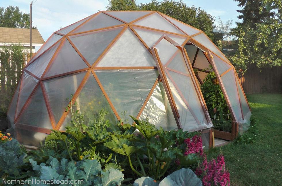15 Diy Backyard Greenhouses How To Make A Greenhouse - Backyard Greenhouse Diy Crafting