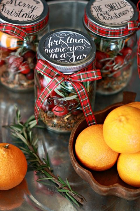These jars —filled with quintessential Christmas scents, like rosemary, cranberry, and mulling spices—are the perfect gift for your friend that wishes Christmas lasted all year. Get the tutorial at Nest of Posies.