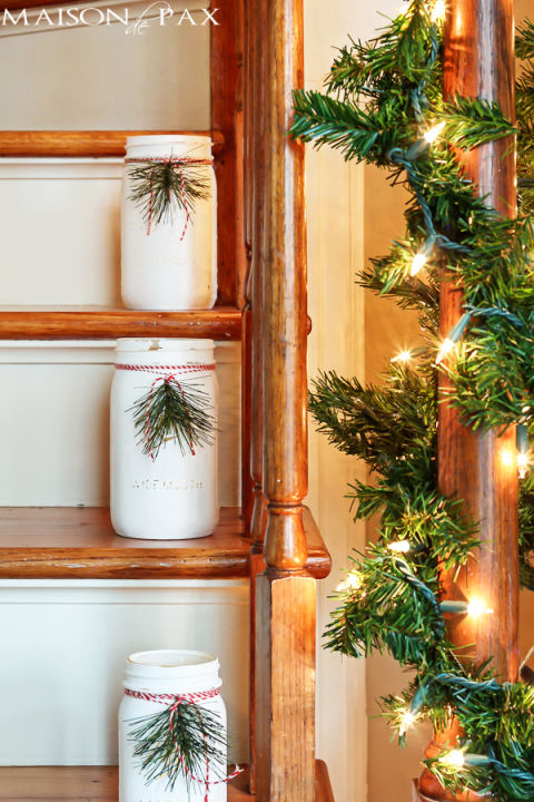 Because your staircase deserves some Christmas decor, too. Get the tutorial at Maison de Pax.