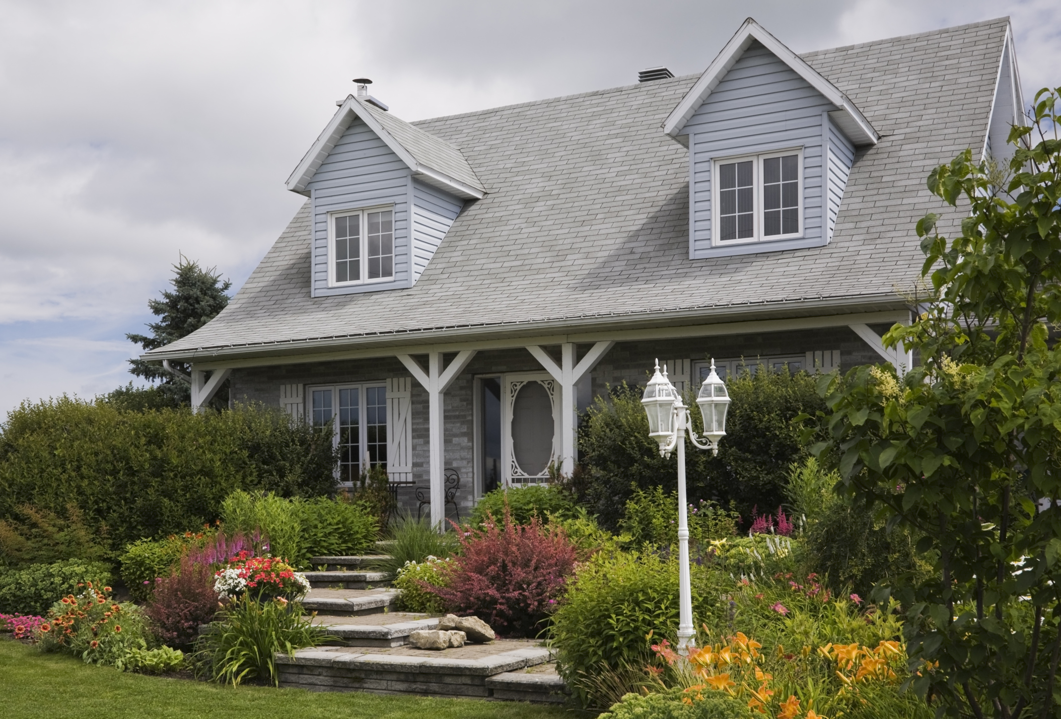40 Front Yard and Backyard Landscaping Ideas - Landscaping ... on Backyard House Ideas id=49660