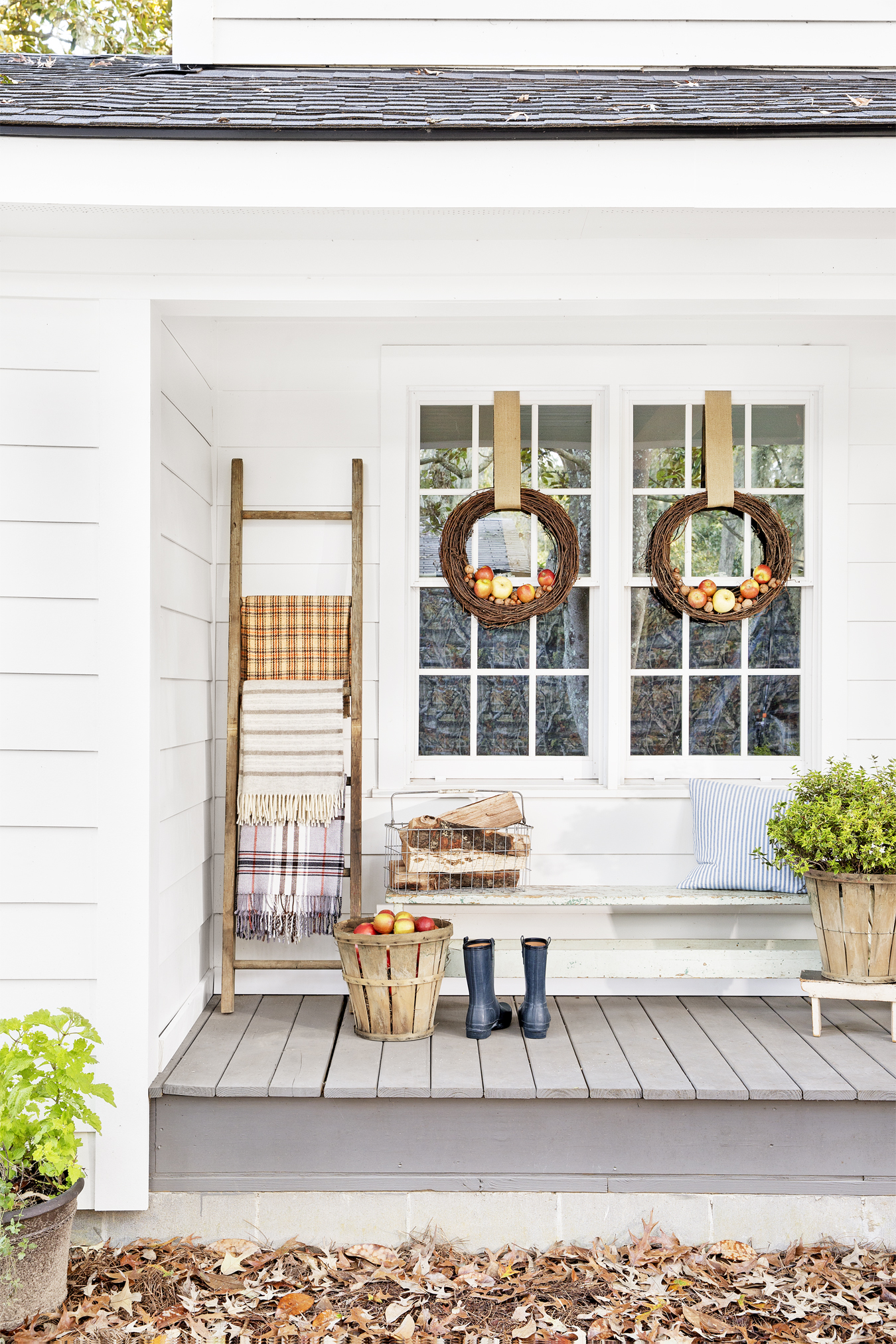 32 Fall Porch Decorating Ideas - Ways to Decorate Your ... on Country Patio Ideas id=41419
