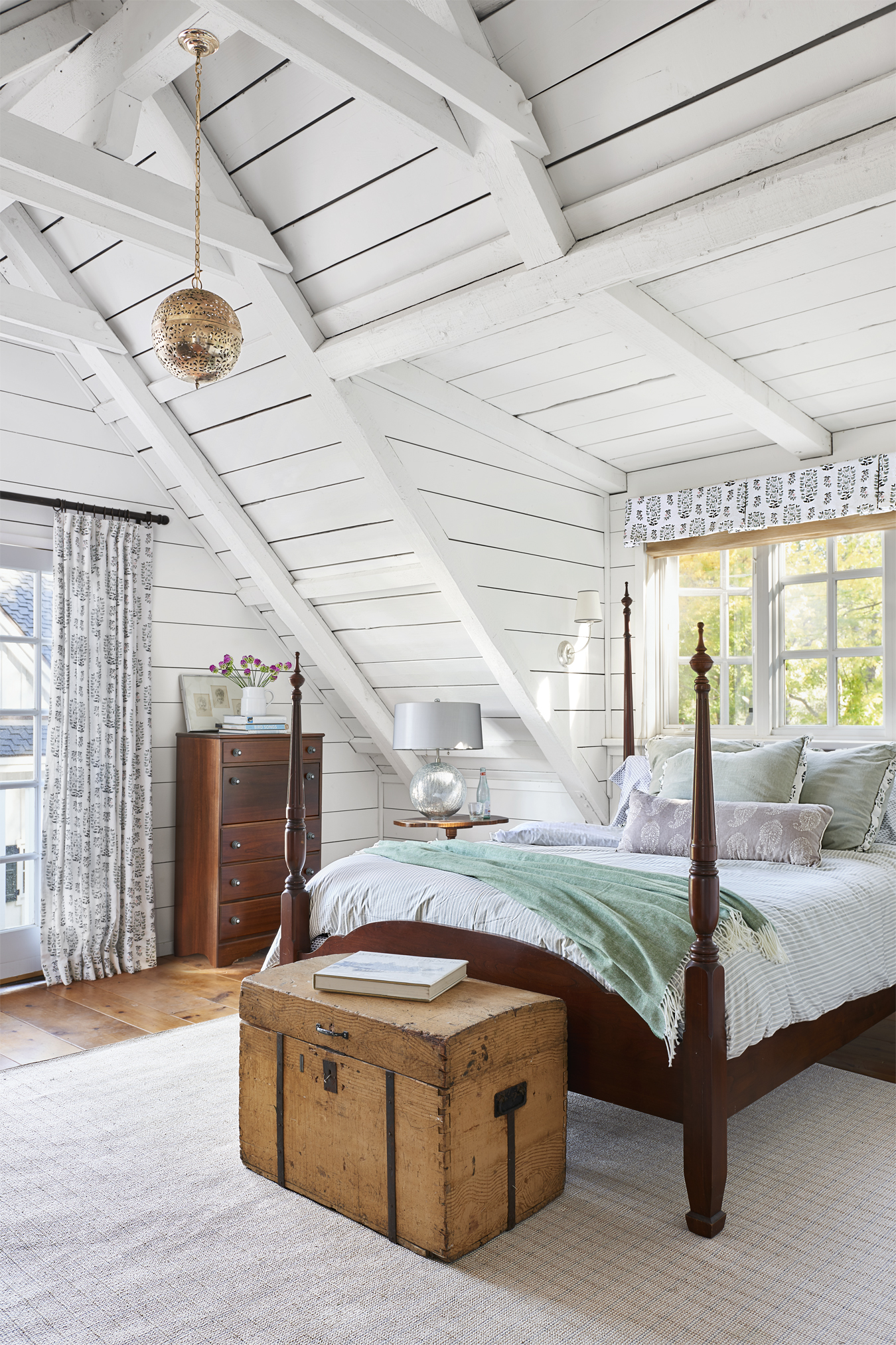 101 Bedroom Decorating Ideas in 2017 - Designs for ... on Beautiful Room Decoration  id=33189