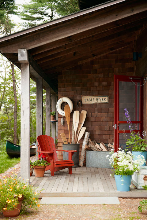 What Not to Do in the Garden, Porch Or Yard