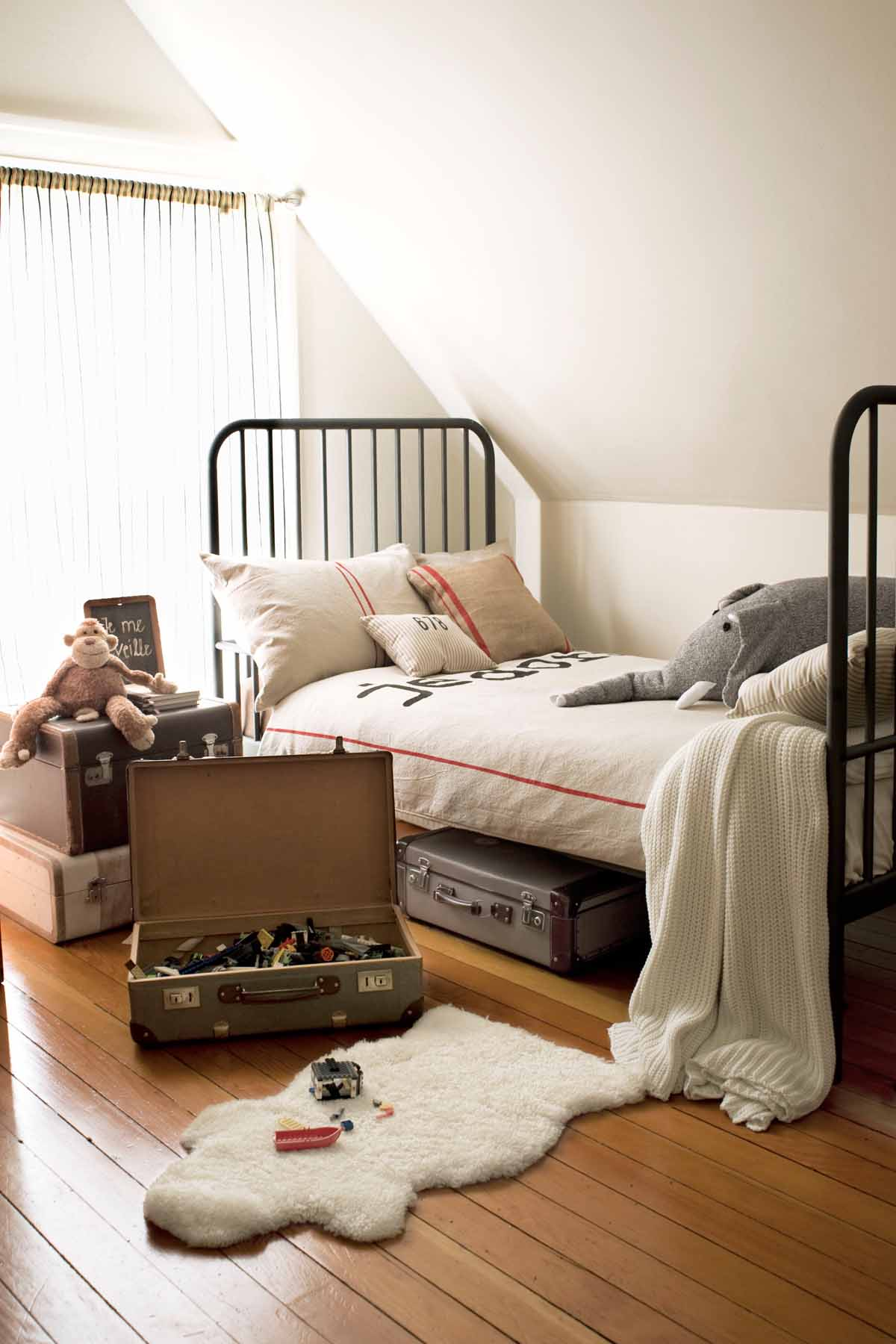14 best boys bedroom ideas room decor and themes for a 10936 | 1492204284 kids bedroom 012