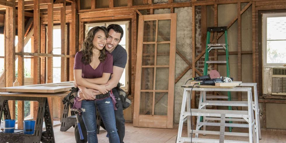 Drew's Honeymoon House with Drew Scott and Linda Phan