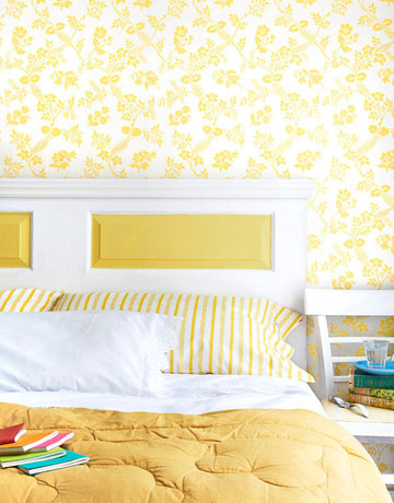 yellow and white bed